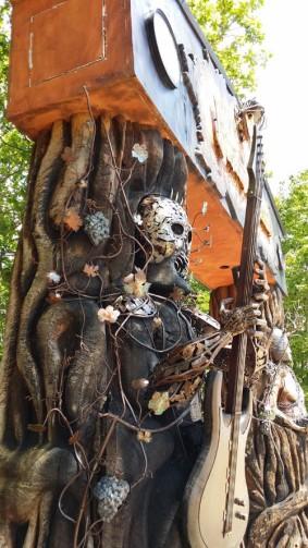 Le porche de l'espace Kingdom of Muscadet au Hellfest